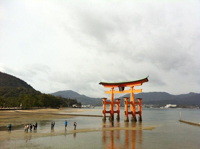 宮島_厳島神社_鳥居_干潮