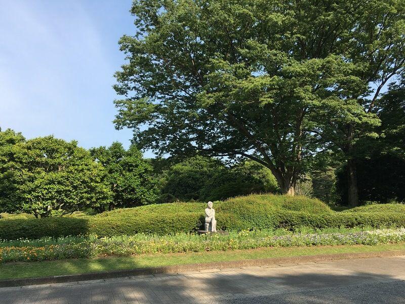 神代植物公園_女と花1