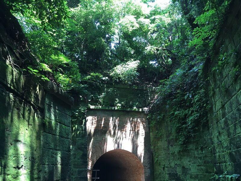 猿島_レンガ造りのトンネル_愛のトンネル2