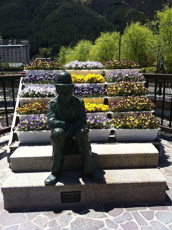 下呂温泉 チャールズ・チャップリン像