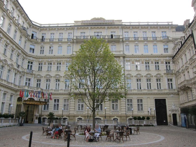 チェコ カルロヴィ・ヴァリ グランドホテル・プップ 007 カジノ・ロワイヤル1