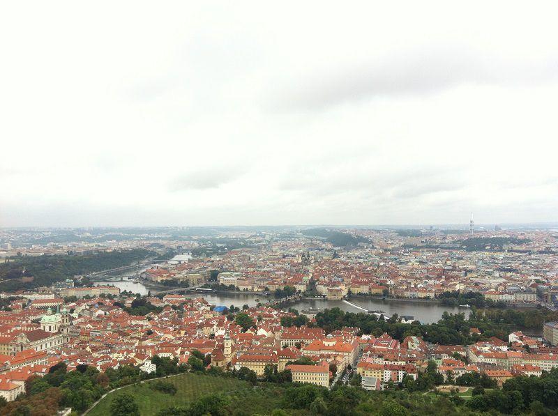 チェコ プラハ ペトシーンの丘からの景色1
