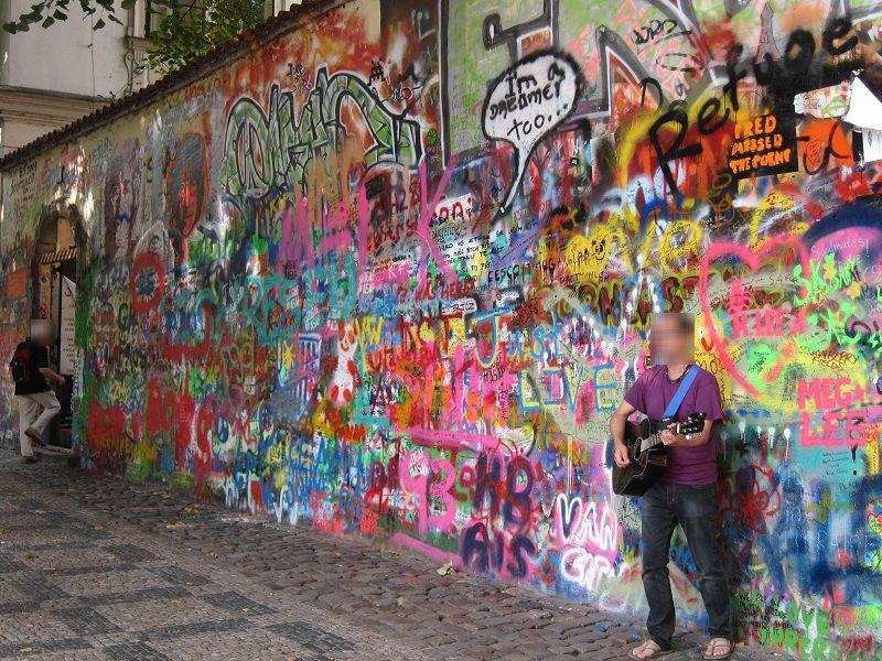 チェコ プラハ ジョン・レノンの壁2