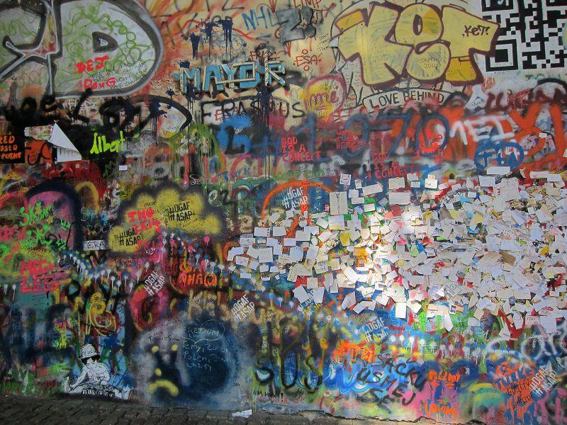 チェコ プラハ ジョン・レノンの壁3