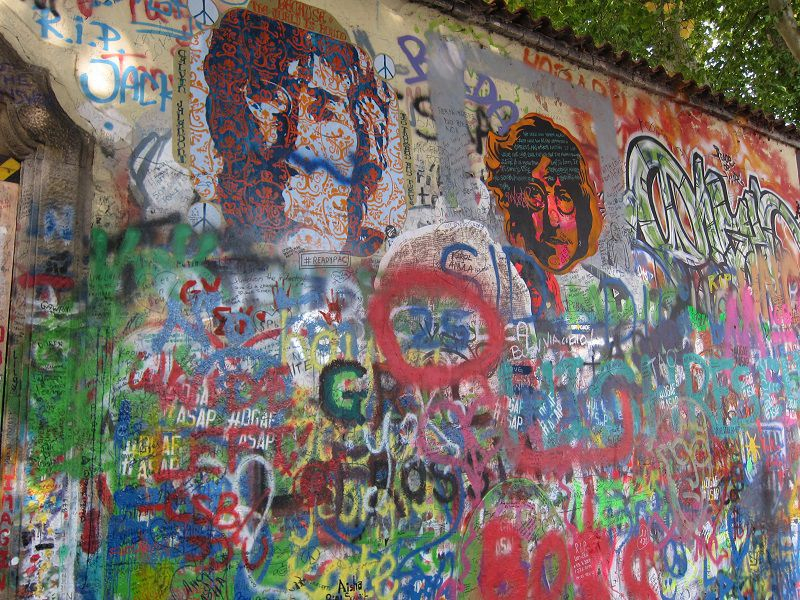 チェコ プラハ ジョン・レノンの壁4