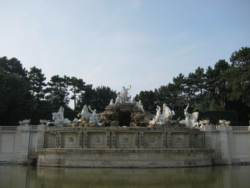 オーストリア ウィーン シェーンブルン宮殿 ネプチューンの泉