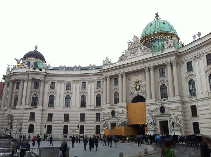 オーストリア ウィーン ホーフブルク宮殿(王宮) ミヒャエル門