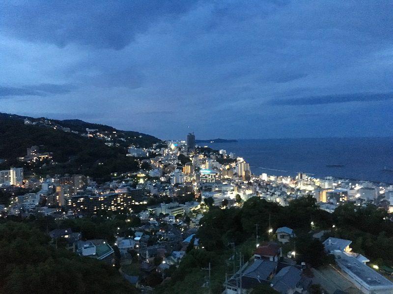 熱海の街並み景色 夜景