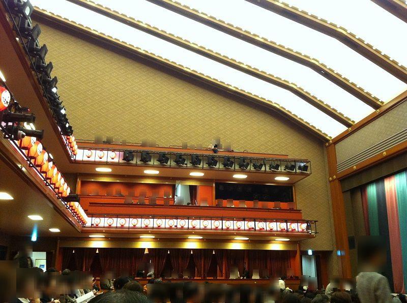 歌舞伎座の中3