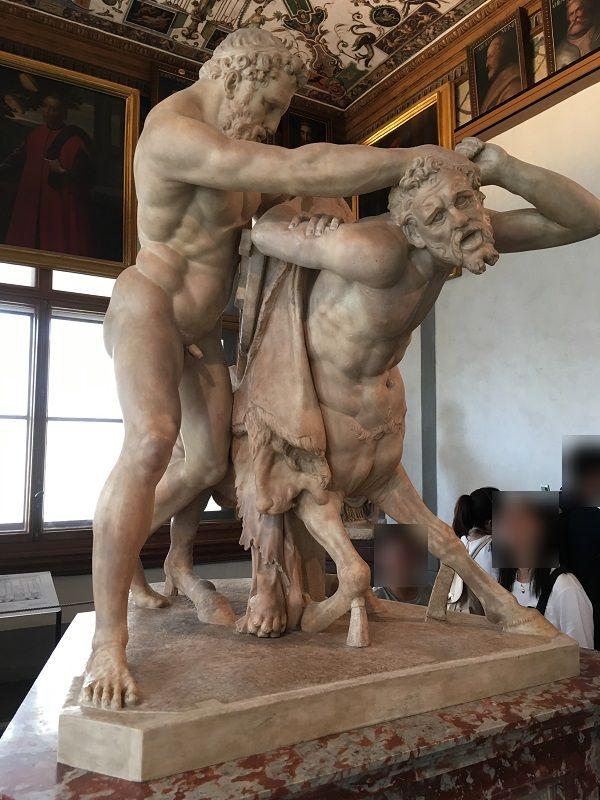 イタリア フィレンツェ ウフィツィ美術館 ケンタウロス