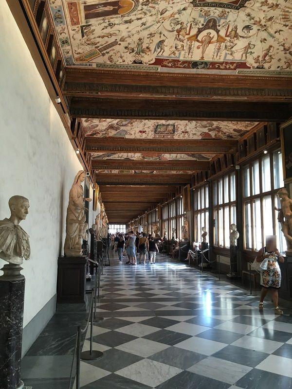 イタリア フィレンツェ ウフィツィ美術館 画廊