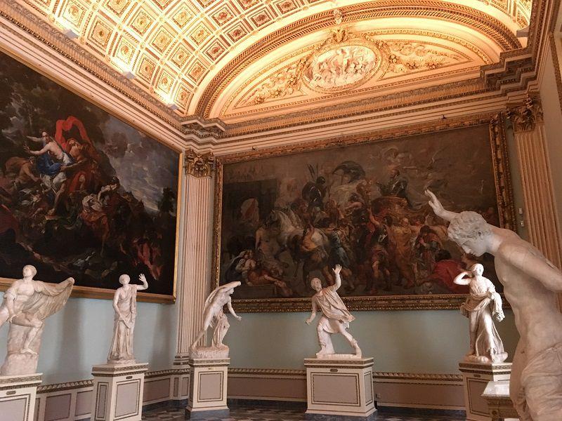 イタリア フィレンツェ ウフィツィ美術館 お手上げ
