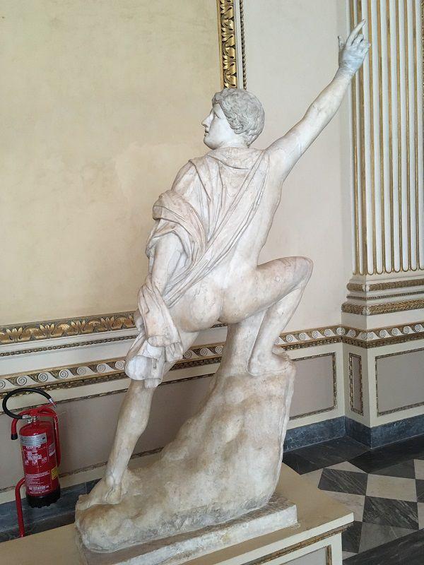 イタリア フィレンツェ ウフィツィ美術館 ヘイお尻