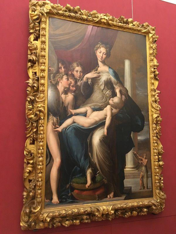 イタリア フィレンツェ ウフィツィ美術館 長い首の聖母