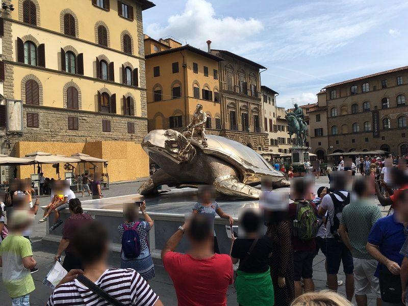 イタリア フィレンツェ シニョリーア広場 黄金の亀 浦島太郎