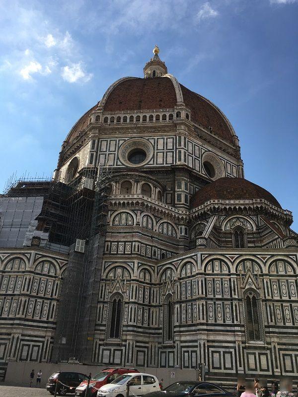 イタリア フィレンツェ ドゥオーモ サンタ・マリア・デル・フィオーレ大聖堂 裏
