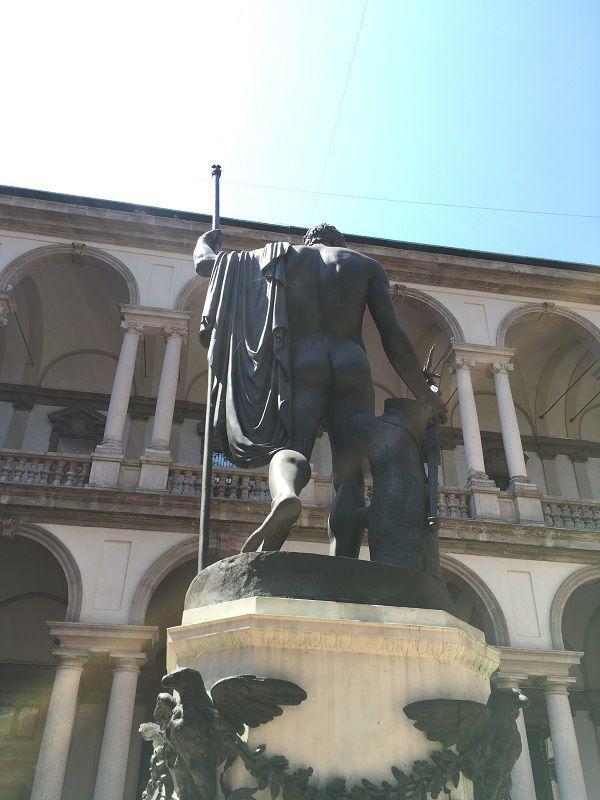 イタリア ミラノ ブレラ美術館 いいケツ
