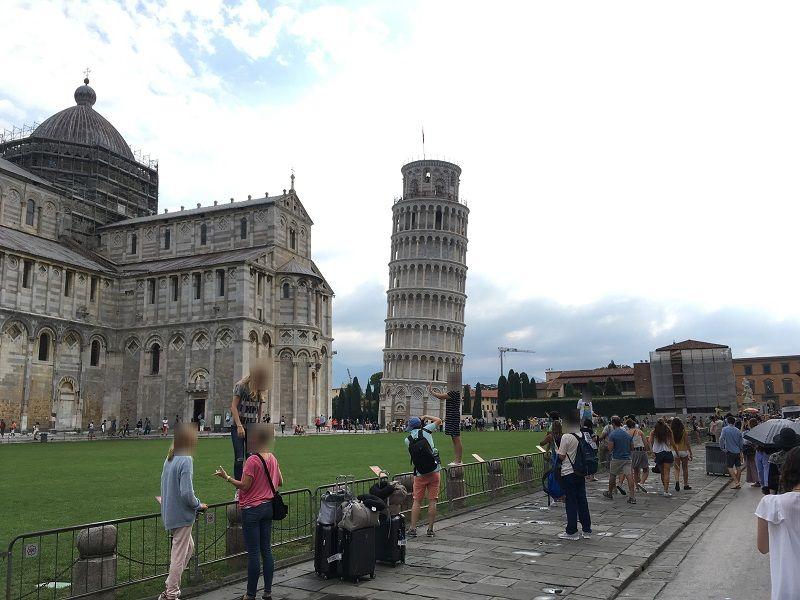 イタリア ピサの斜塔 写真撮影