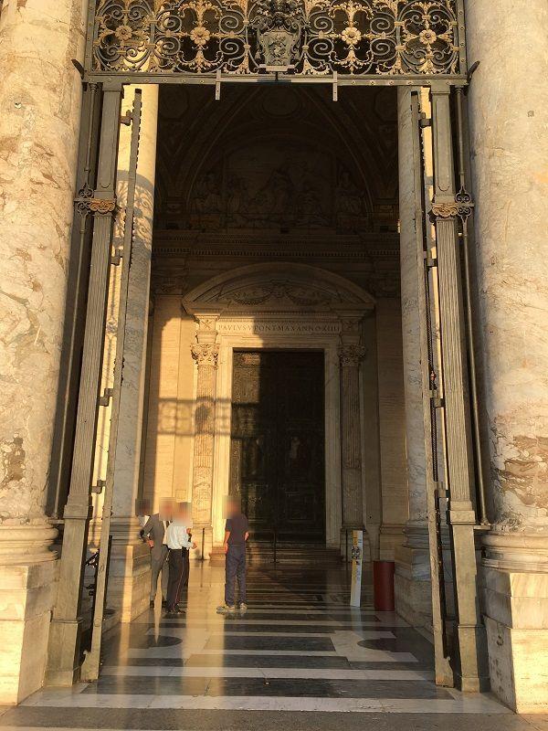 イタリア ローマ バチカン市国 サン・ピエトロ大聖堂 フィラレーテの扉