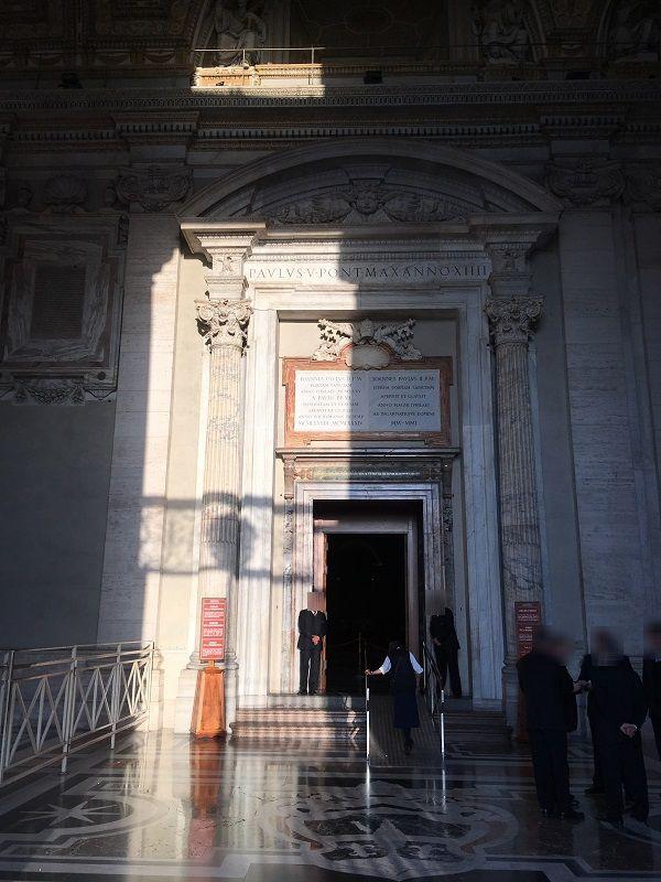 イタリア ローマ バチカン市国 サン・ピエトロ大聖堂 聖なる扉
