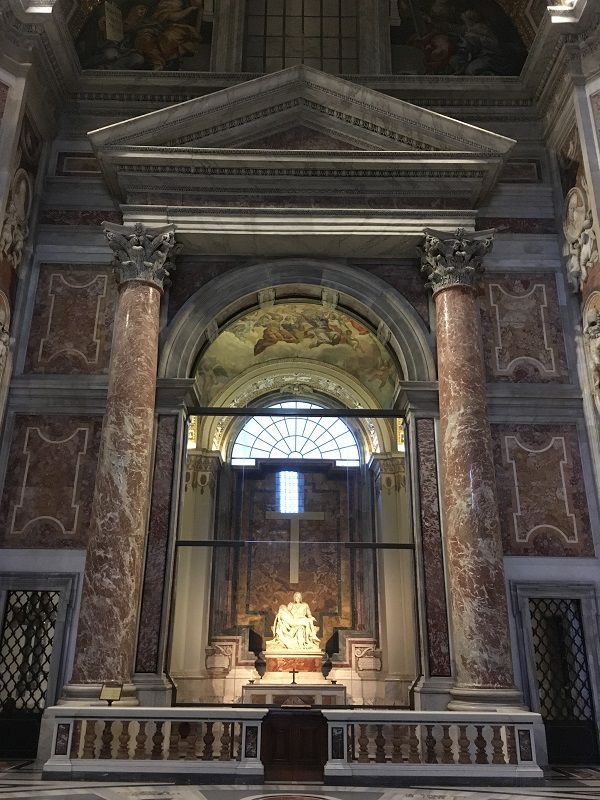 イタリア ローマ バチカン市国 サン・ピエトロ大聖堂 ピエタ