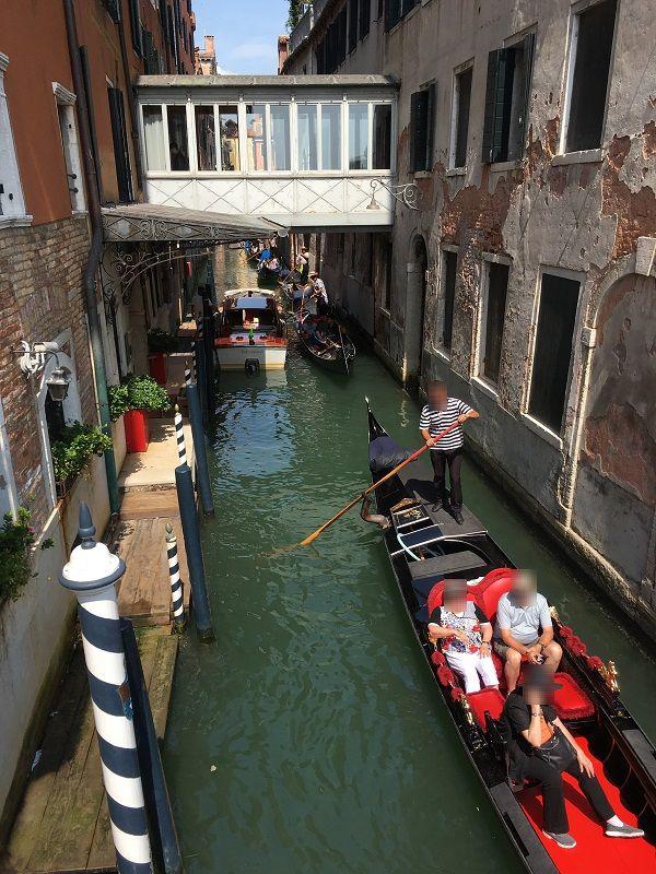 イタリア ヴェネツィア 水路 ゴンドラ