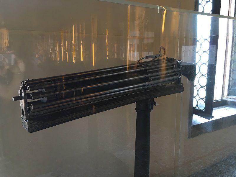 イタリア ヴェネツィア ドゥカーレ宮殿 銃