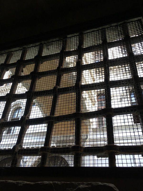 イタリア ヴェネツィア ドゥカーレ宮殿 牢獄施設から眺めたため息橋