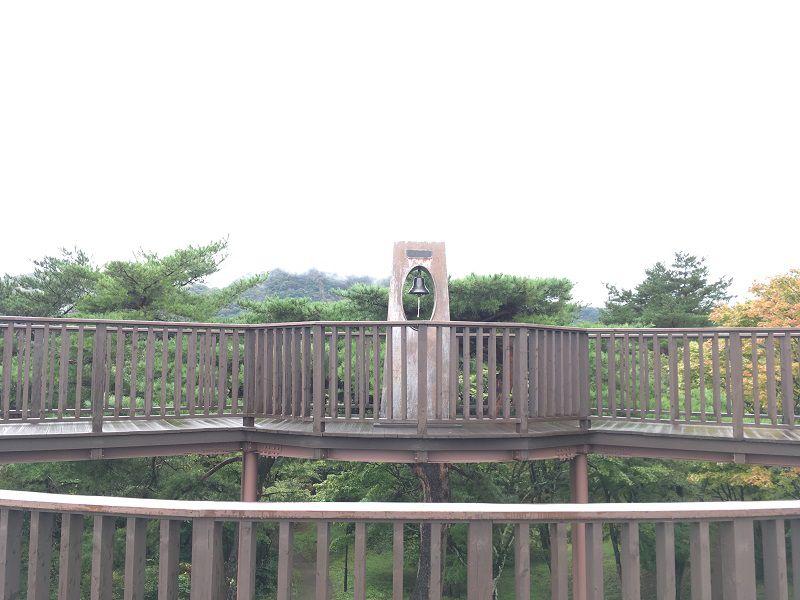 伊香保温泉 上ノ山公園 ときめきデッキ 展望台 輝望の鐘