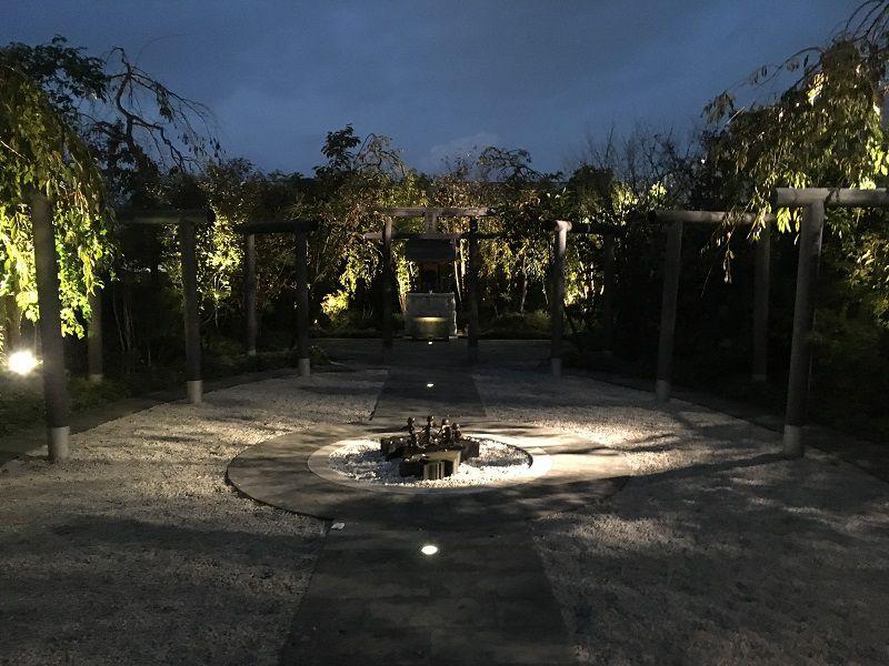 JR博多シティ 屋上 つばめの杜ひろば 鉄道神社2