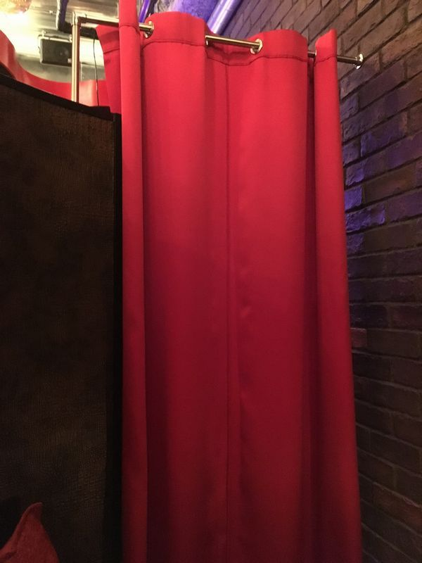 The PRIVATE LOUNGE (ザ プライベート ラウンジ) 赤坂店 VIP2 半個室 カーテン