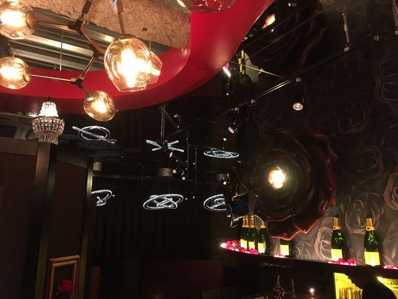 The PRIVATE LOUNGE (ザ プライベート ラウンジ) 赤坂店 店内の様子 天井 照明