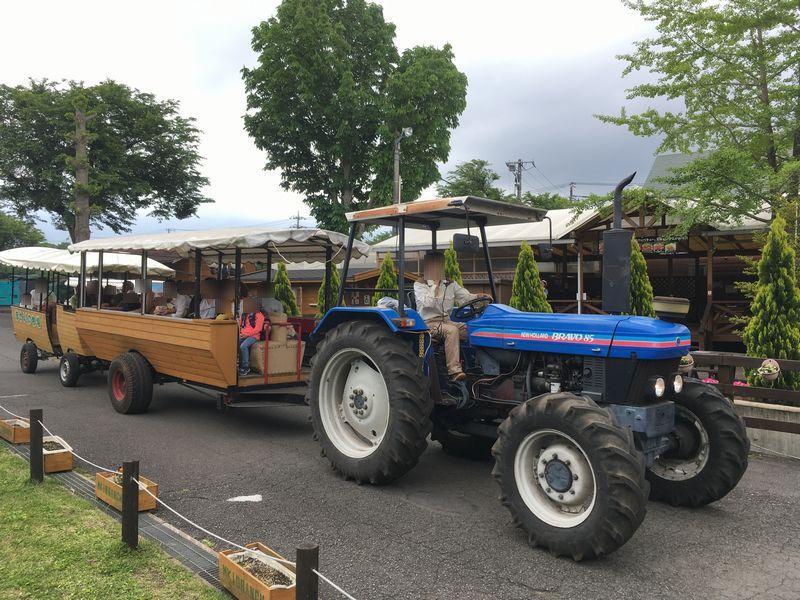 まかいの牧場 トラクターバス 周遊