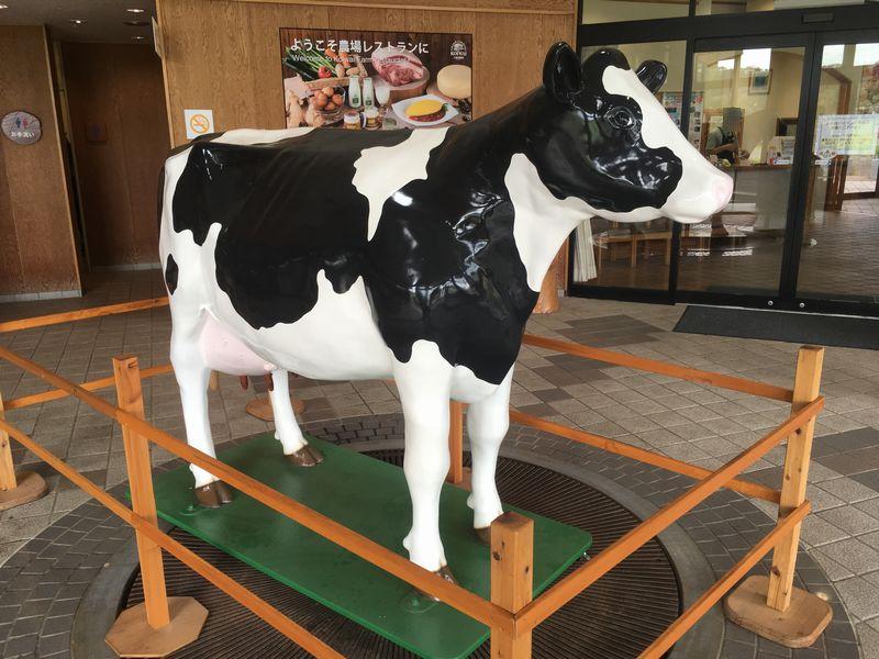 小岩井農場 山麗館 牛 オブジェ 模型