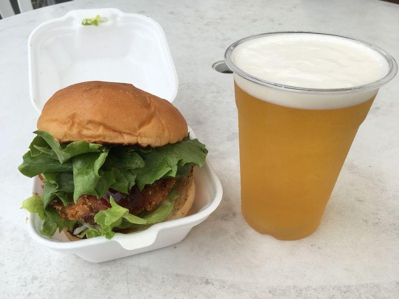 松島 松島さかな市場 松島かきバーガー ビール