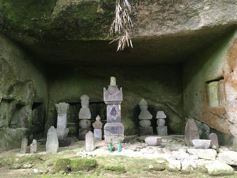 松島 円通院 洞窟群 伊達宗高並殉死者供養塔