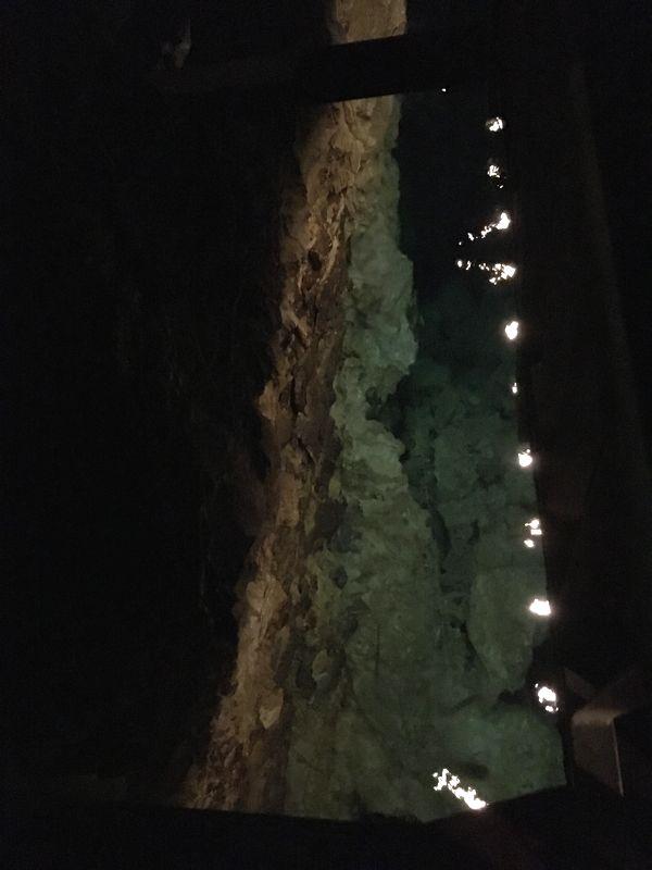 龍泉洞 鍾乳洞 水 地底湖