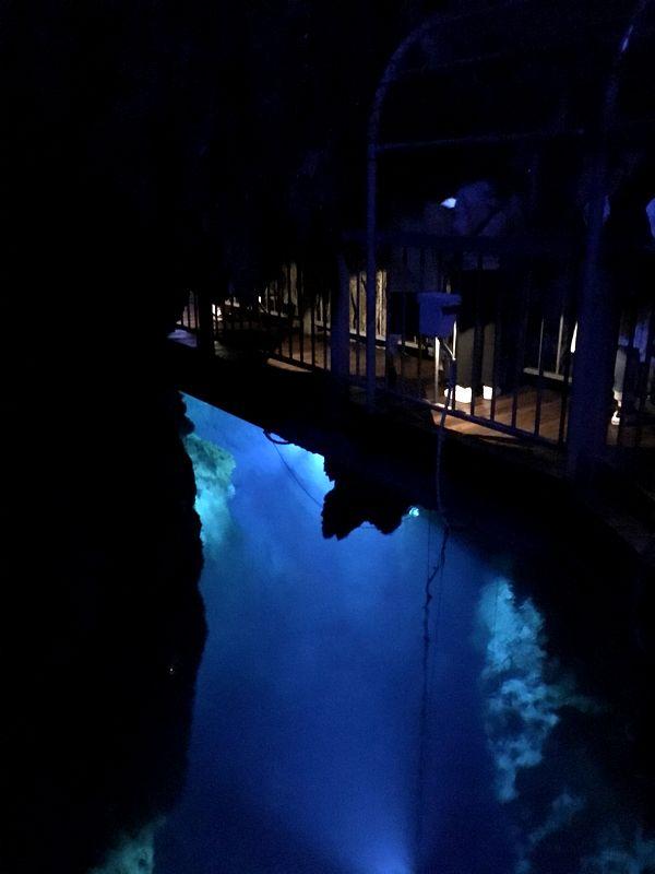 龍泉洞 鍾乳洞 第一地底湖