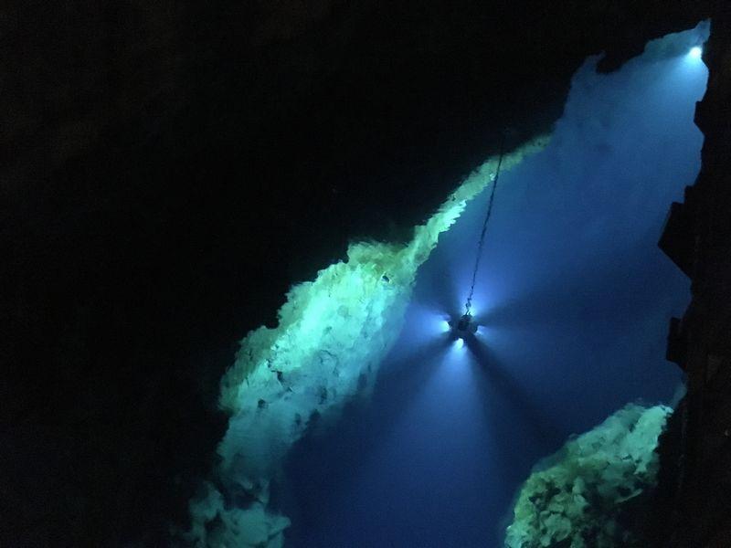 龍泉洞 鍾乳洞 第二地底湖