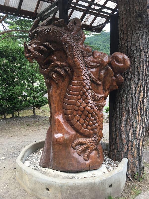 龍泉洞 鍾乳洞 昇り龍 木彫り