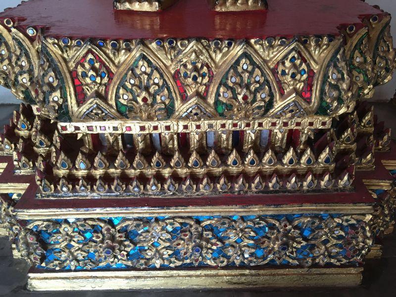 タイ バンコク ワット・ポー 回廊 仏像 台座
