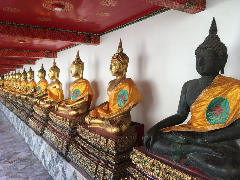 タイ バンコク ワット・ポー 回廊 仏像