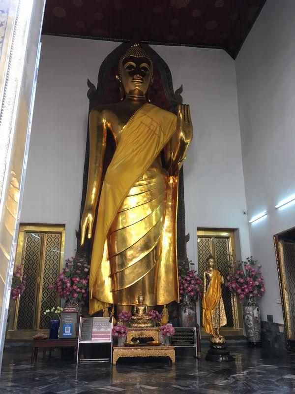 タイ バンコク ワット・ポー 大きい仏像