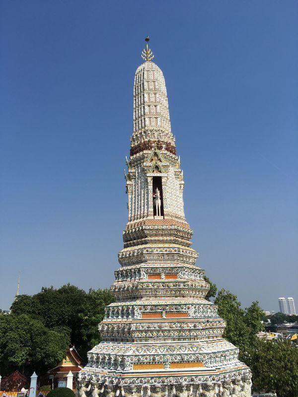 タイ バンコク ワット・アルン 小仏塔