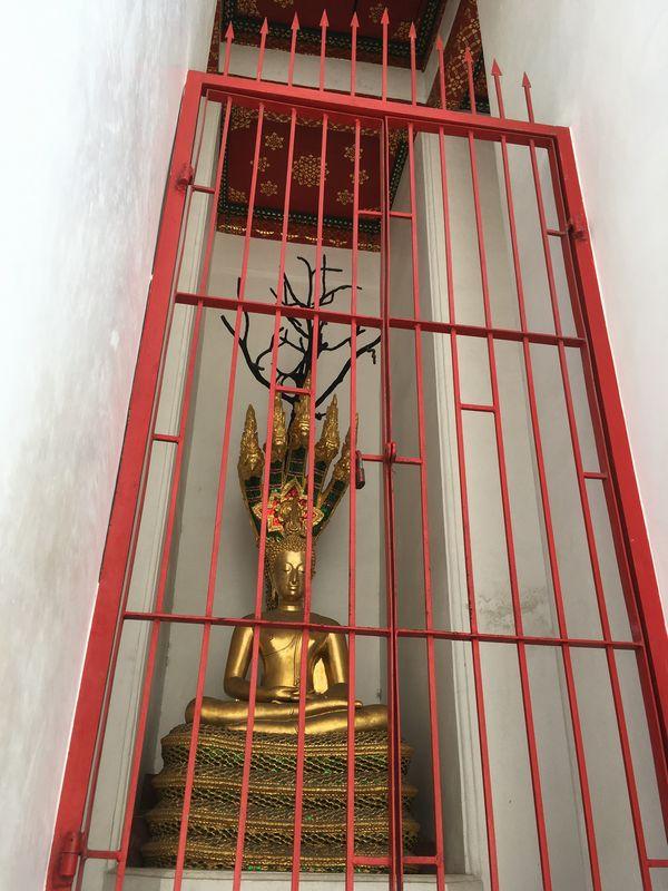 タイ バンコク ワット・アルン 大仏塔 仏像