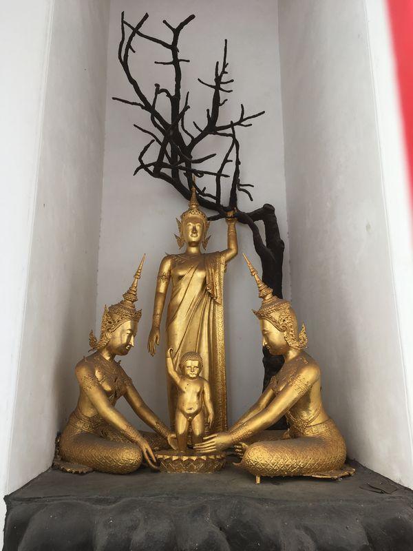 タイ バンコク ワット・アルン 大仏塔 天上天下唯我独尊