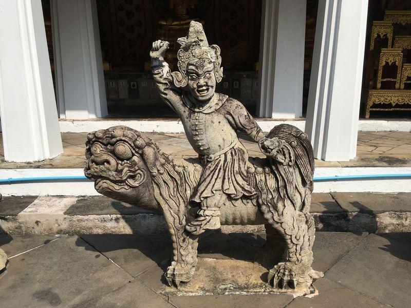 タイ バンコク ワット・アルン 石像