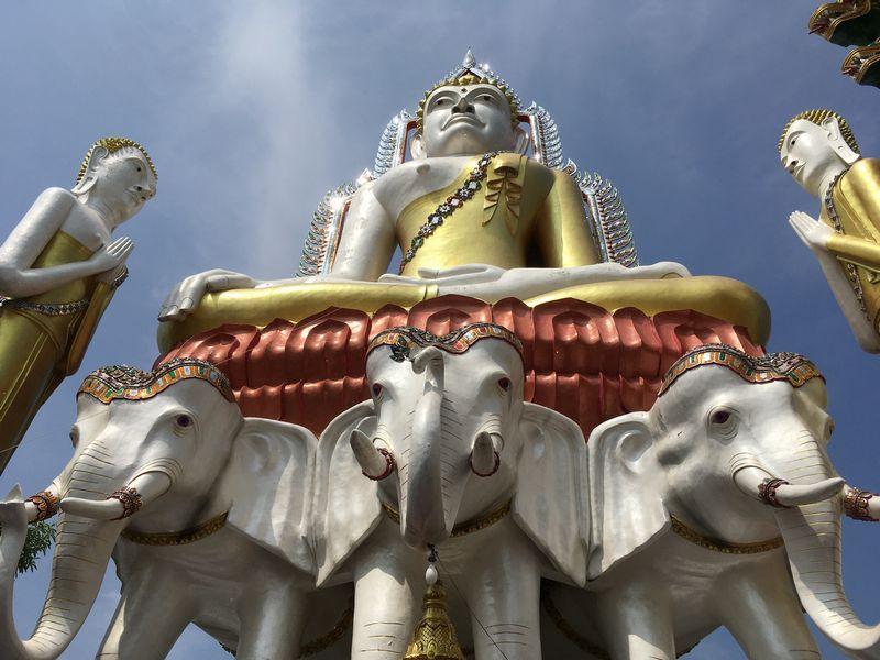 タイ バンコク ワット・クンチャン 大仏 象