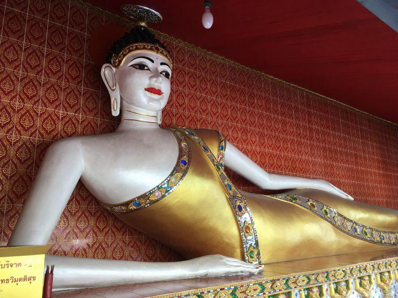 タイ バンコク ワット・クンチャン 涅槃仏 寝釈迦像