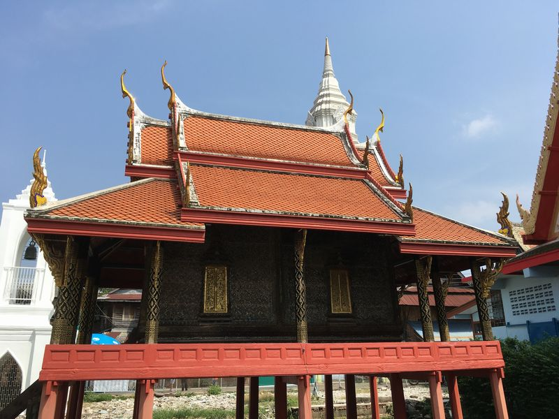 タイ バンコク 高床式 建物
